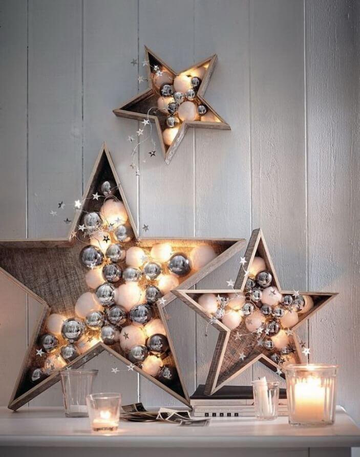 новогодние украшения со звездами и шарами