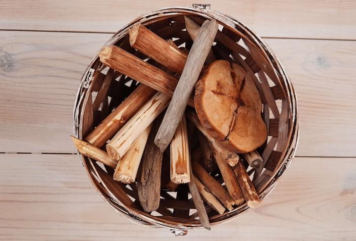 осенние поделки из веток из дерева